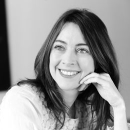 <b>Delphine Tariot</b> est diplômée de Skema Business School (E.S.C Nice ... - tariot_coworker